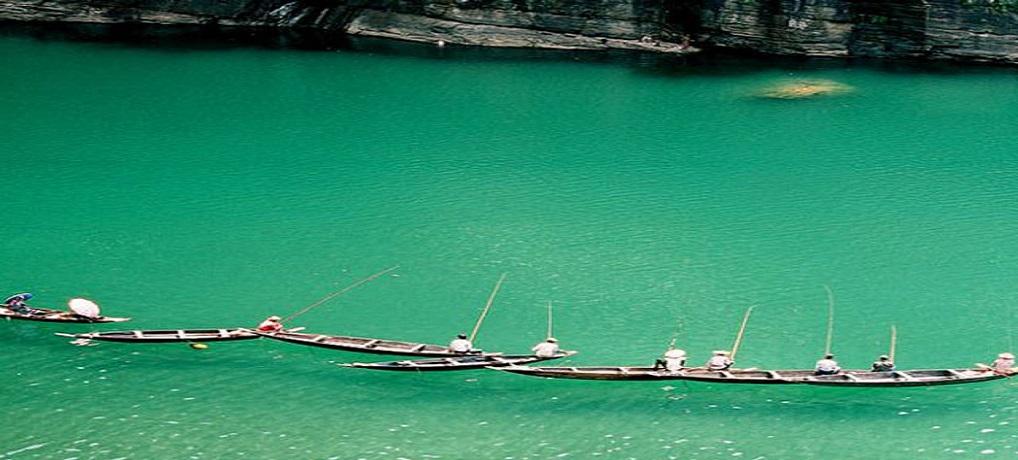 Dawki Town Meghalaya. 7 Wonders of North East India